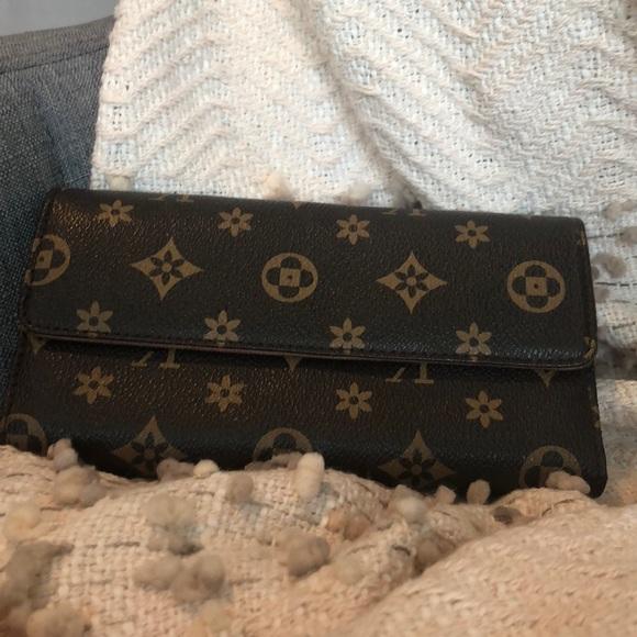 Handbags - Medium Brown Wallet.  Logo Print.